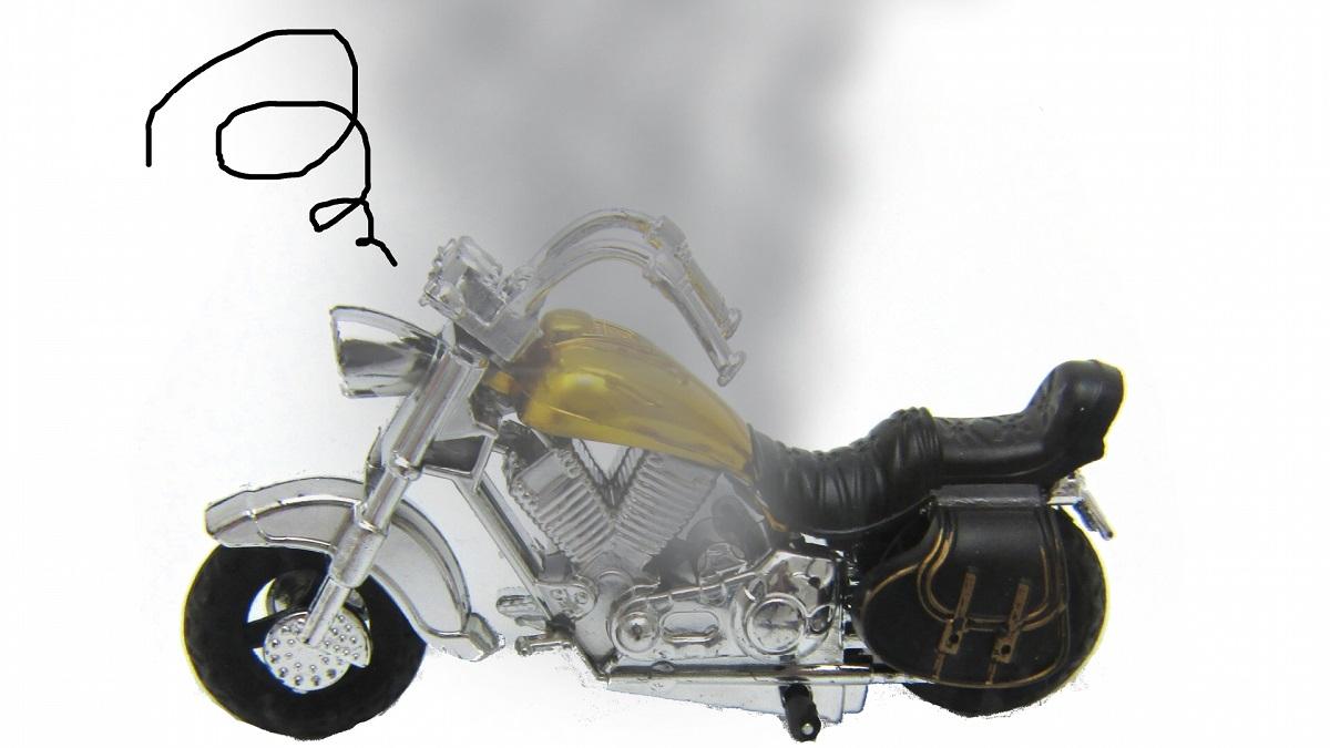 壊れたバイクの画像