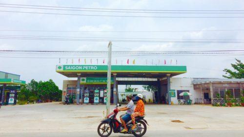バイクの二人乗り画像