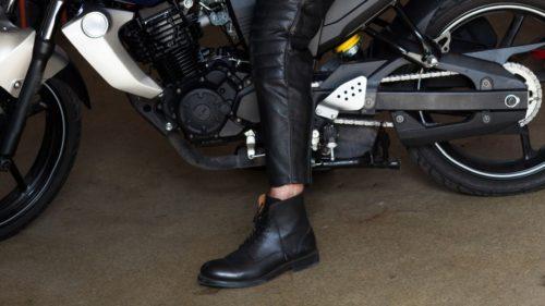 バイクの足つきを良くする方法