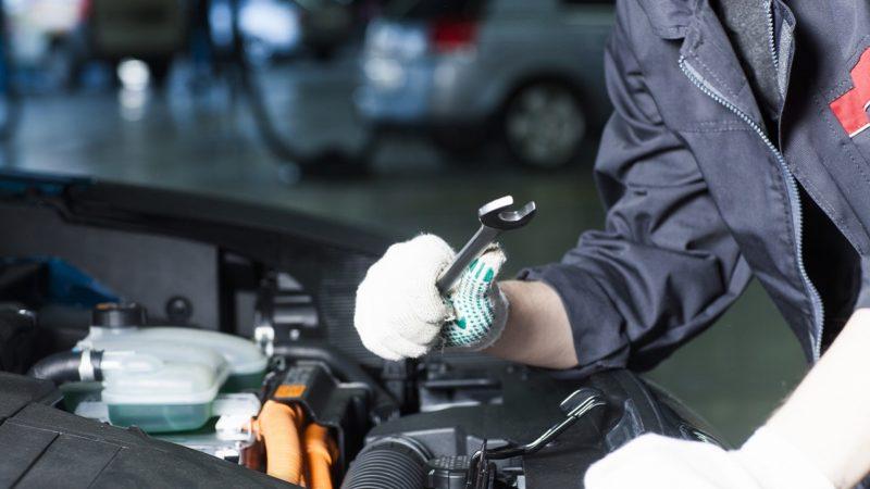 車の整備工場での車検