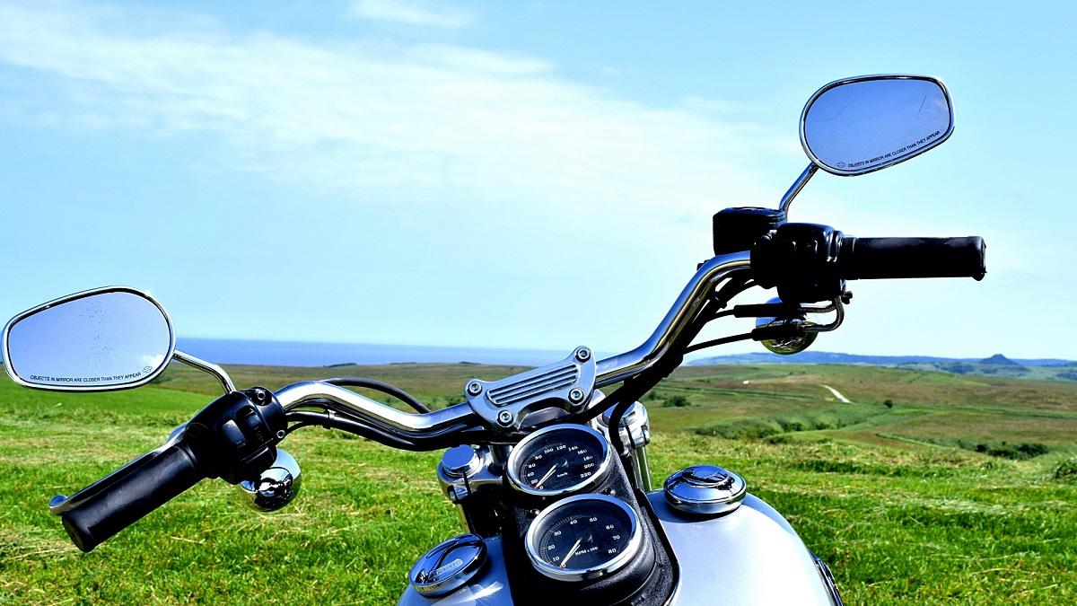 バイクのミラーの保安基準は?車検に通るサイズや位置
