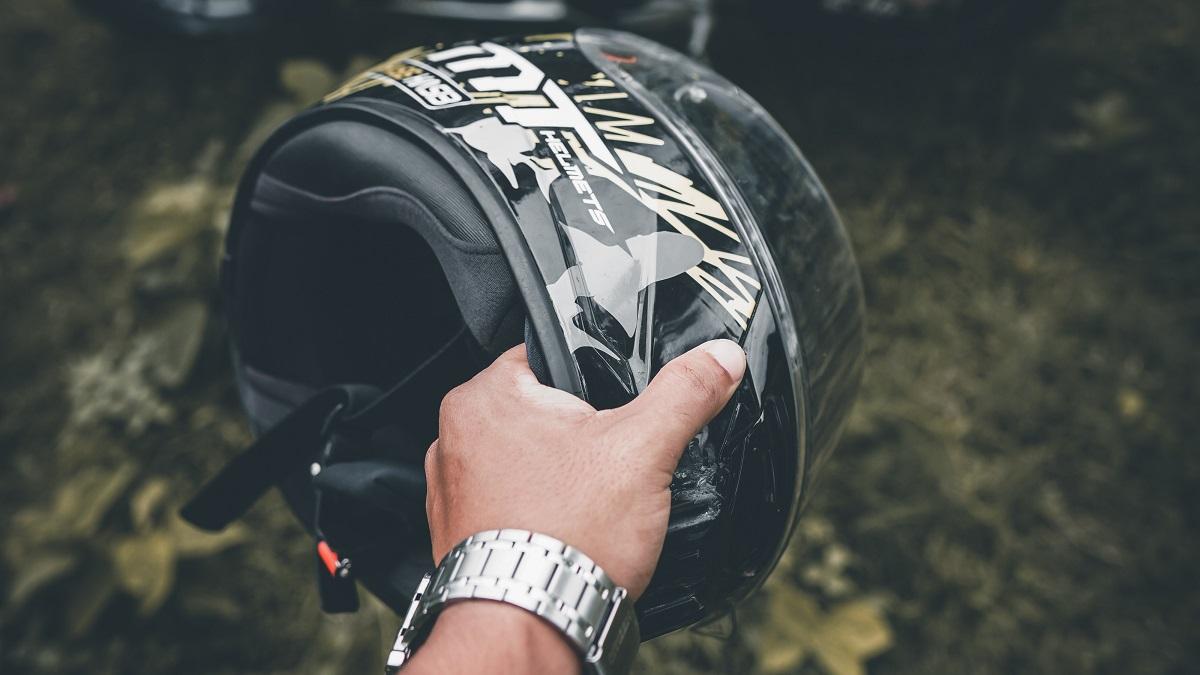 バイクのヘルメットの寿命