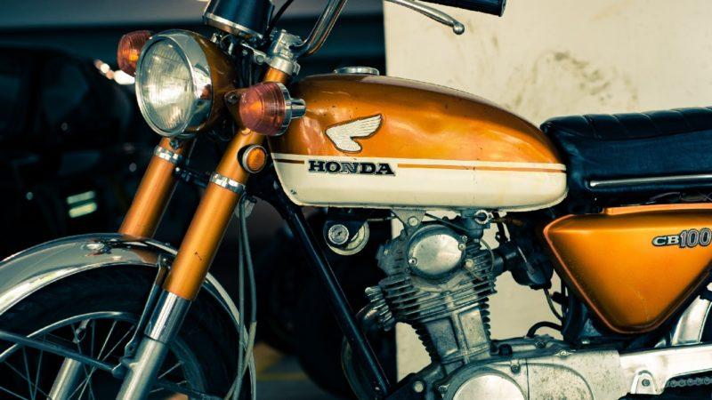 古いバイク(旧車)は片方ミラーだけでも大丈夫?