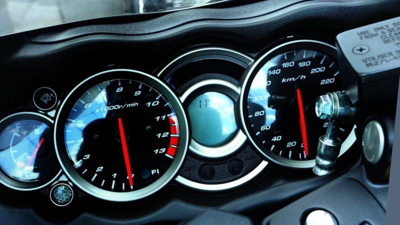 バイクの高速道路の制限速度