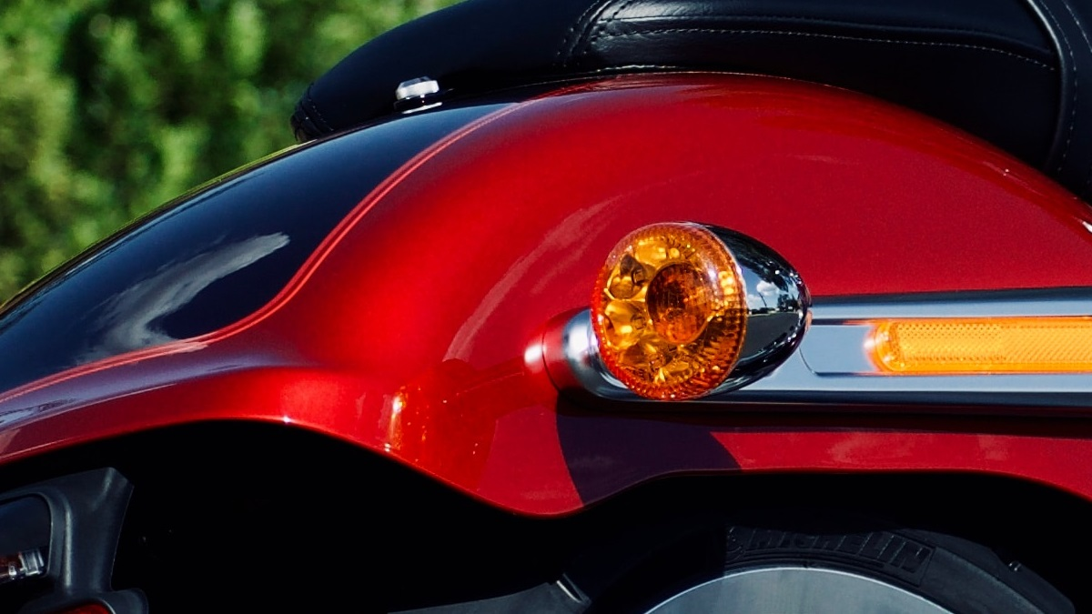 バイクのウインカーの保安基準は?車検に通る大きさや位置