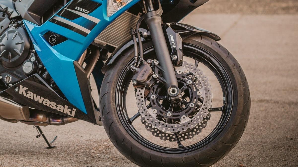 バイクのブレーキ異音の原因は?キーキー、シャーシャー音の対処法