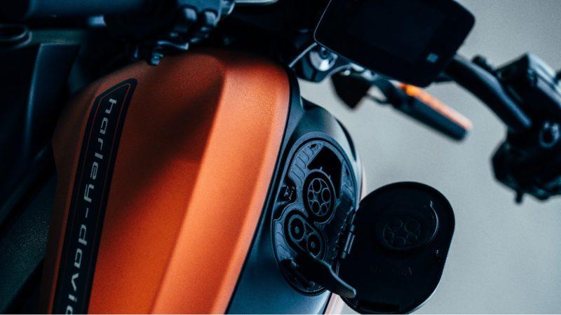 大型の電動バイクも乗れる大型AT二輪免許