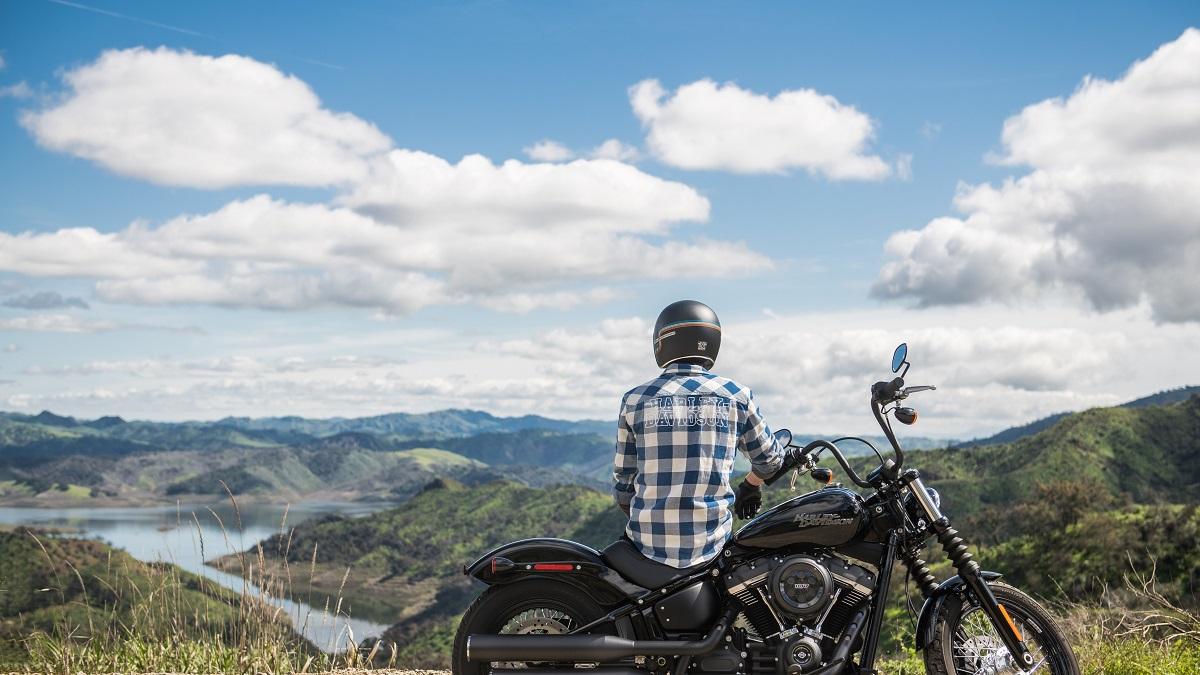バイクで熱中症になると超危険!対策とおすすめアイテム