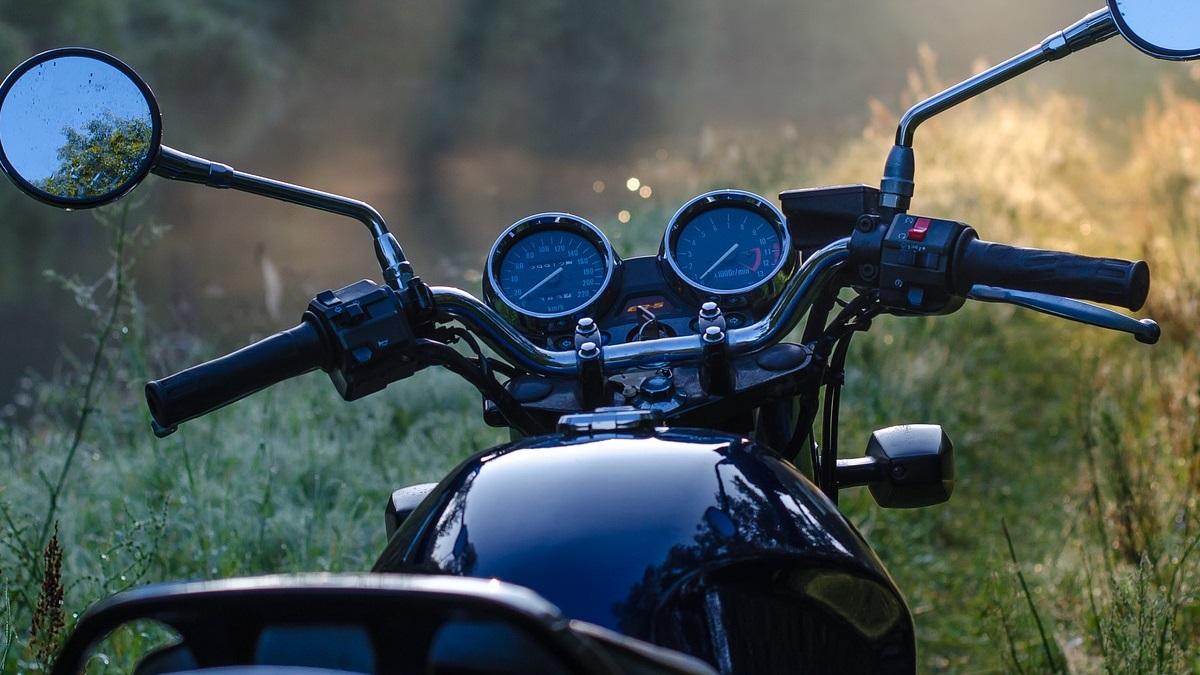 バイクのハンドル交換!車検に通る高さや幅とポイント