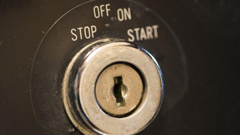 鍵穴には専用の潤滑剤を使う