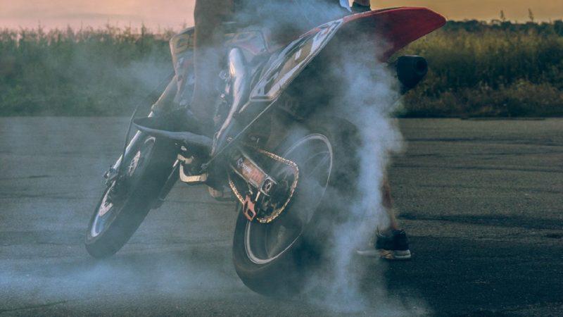 エンジントラブルなのか水蒸気なのか見分けるには?