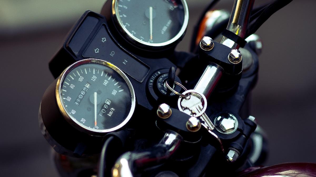 バイクの鍵穴トラブル【回らない・入らない・折れた】時の対処法