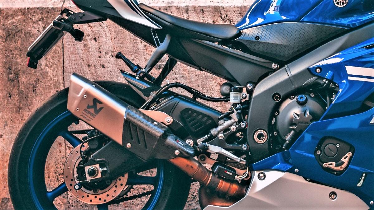 バイクのマフラーの選び方!種類や素材を詳しく解説