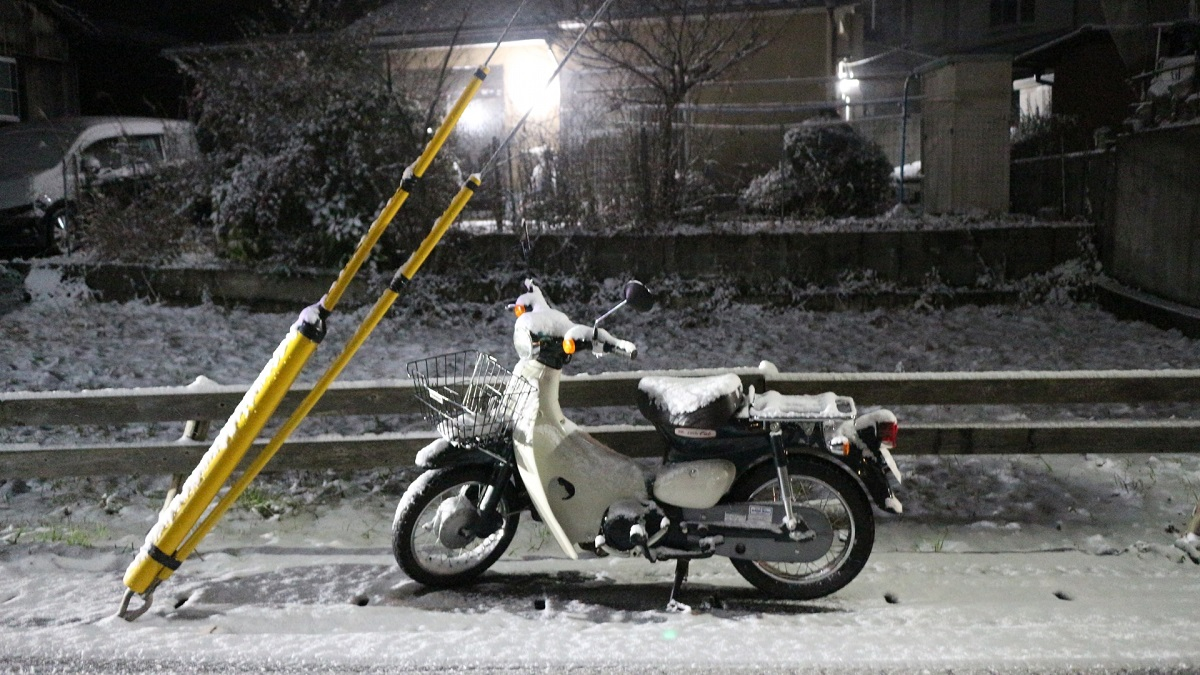 バイクにもスタッドレスはある?冬用タイヤやタイヤチェーンのまとめ