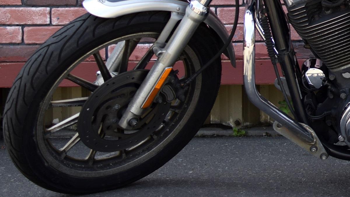 バイクのタイヤの寿命はいつ?交換時期の判断方法とは