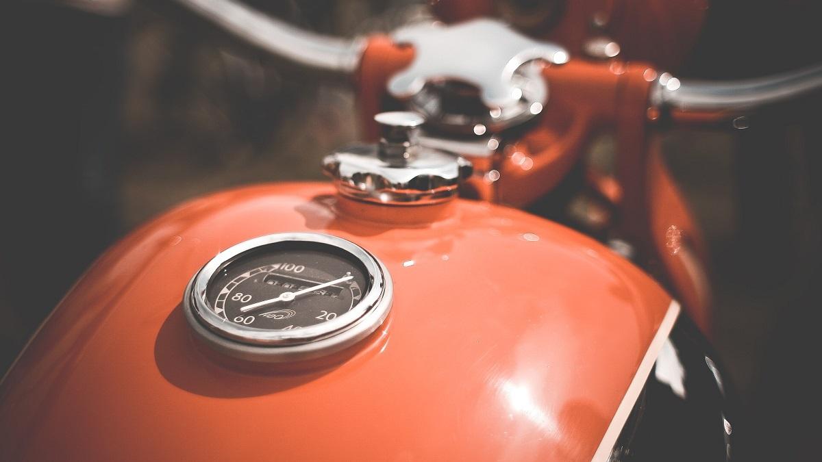 バイクでガス欠になった時の対処法&ならない為の防止策!