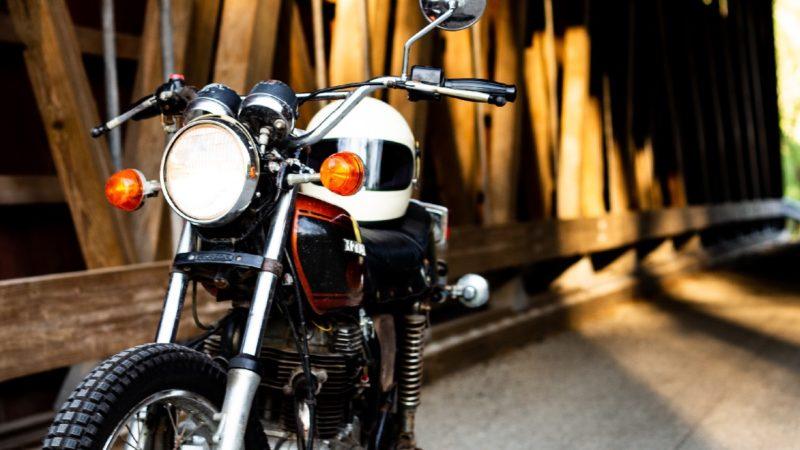 昔のバイクでも夜間は点灯義務がある