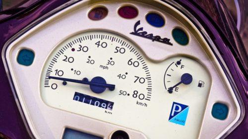 バイクの燃費の計算方法は?燃費を向上させるコツや走り方も解説