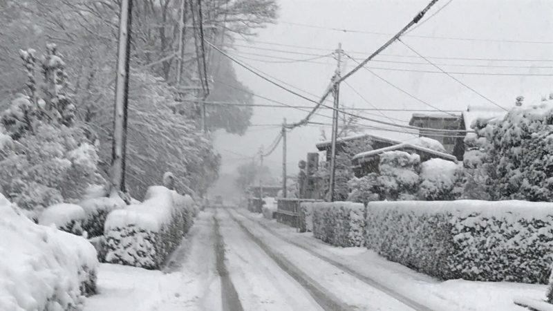 冬用タイヤやチェーンを過信しすぎるのは危険!