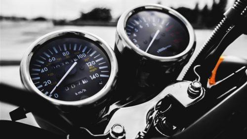 バイクのスピードメーターが動かない?対処法と修理・交換費用