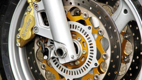 バイクのABSって何?効果や必要性について解説!