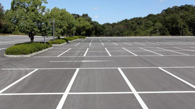 駐車場や公園での練習も無免許運転になる可能性がある