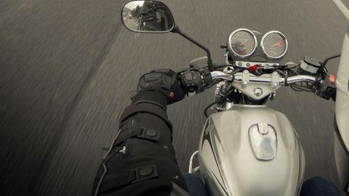 バイクの冬用グローブの選び方とおすすめ5選!手や指の防寒対策