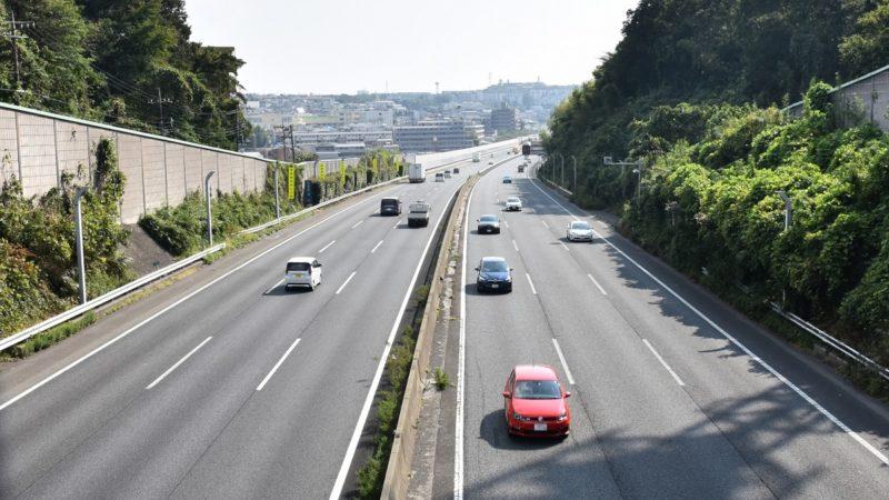 高速道路でバイクがパンクした場合