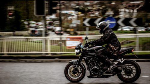 バイクは本当に危ないのか?事故率をもとに分析と考察した結果