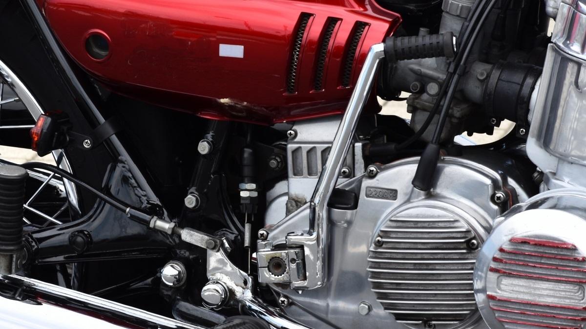バイクにキックスターターの取付けは可能?キック付きの車種は?