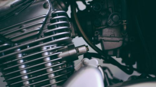 バイクのエンジンの焼き付きとは?前兆や症状、修理費用を解説