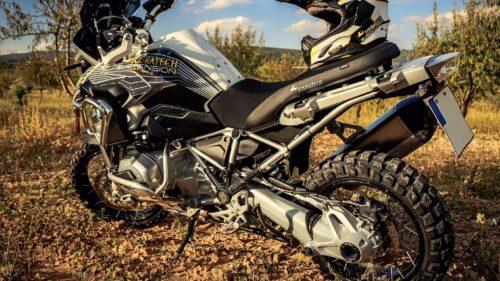 バイクのシャフトドライブとは?仕組みやメリット、車種を解説