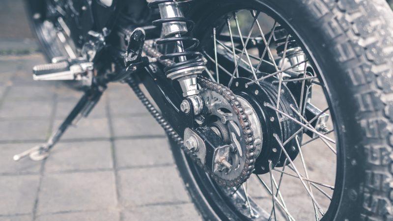 バイクのチェーン交換の工賃はいくら?