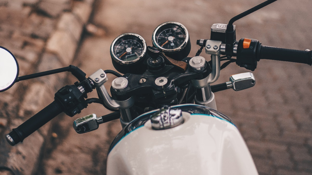 バイクのセルが回らない時の原因とチェックポイントを解説