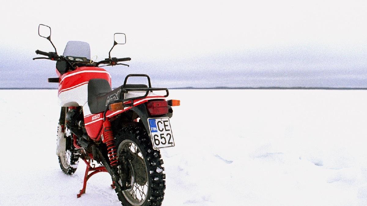 冬(寒い日)にバイクのエンジンがかからない!原因と対策を解説