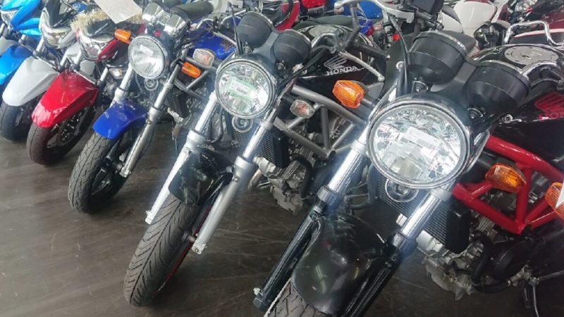 ②バイク屋にバイクを売るメリットとデメリット